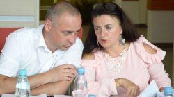Sesja Rady Miejskiej Turku. Radosław Idzikowski i Elżbieta Niespodziańska