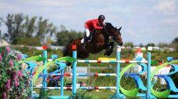 Andrzej Opłatek na koniu Copperfield wygrywa na Mistrzostwach Polski