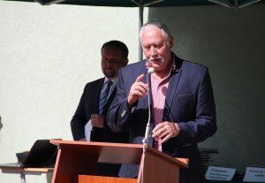 Mistrz olimpijski Władysław Kozakiewicz w kadrze pedagogicznej ZSR Kaczki Śr.