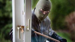 Włamanie do domu (wyważenie okna)