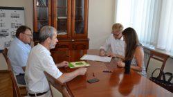 Malanów. Podpisanie umowy o współpracy z Fundacją Esapuri