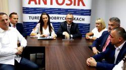 Turek. Konferencja prasowa burmistrza Romualda Antosika