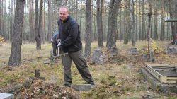 Młyny Piekarskie. Akcja sprzątania cmentarzy (2018)