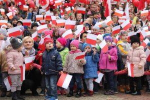 Marsz Niepodległości przeszedł ulicami Dobrej