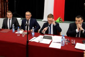 Nowa Rada Miejska Dobrej. Nowy przewodniczący i dwóch wiceprzewodniczących