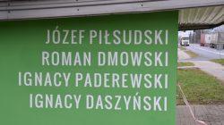 Malanów. Mural na przystanku