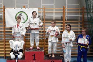 Pięć medali i puchar w Mikołajkowym Turnieju Judo Dzieci o Puchar Burmistrza Ślesina
