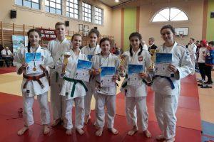 Zawodnicy Judo Tuliszków na podium turnieju w Kaczorach