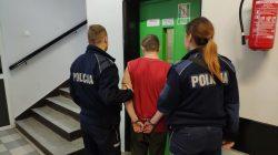 Władysławów. 25-latek ukradł kasę fiskalną