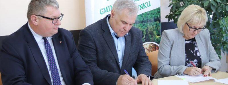 Podpisanie umowy na dofinansowanie dróg dojazdowych do gruntów rolnych