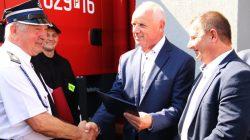 OSP Przykona. Nowy wóz strażacki. Gmina finansuje, a PiS się promuje