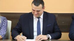 Umowa na dofinansowanie budowy drogi Długa Wieś - Dobra