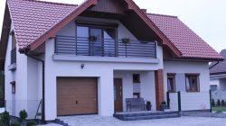 Obrzębin - dom na sąsiedniej działce (projekt w lustrzanym odbiciu)