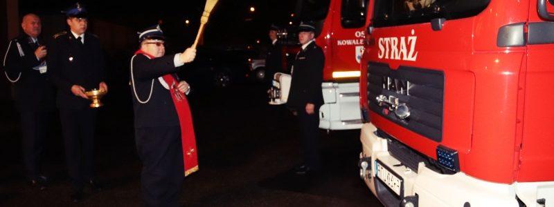 gm. Turek. Wozy strażackie poświęcone i przekazane
