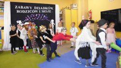 """Władysławów. """"Motylki"""" z Wyszyny gościły swe babcie oraz dziadków"""