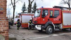Pożar w Skęczniewie - wozy strażackie