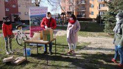 Samorząd Osiedla nr 2 - akcja rozdawania maseczek oraz rękawiczek