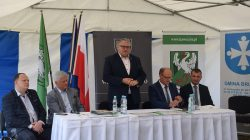 Podpisanie umów | konkurs Pięknieje wielkopolska wieś - Andrzej Grzyb, Krzysztof Grabowski, Jan Nowak