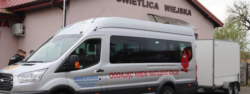 Kalinowa. Zbiórka krwi   100 litrów krwi na 100-lecie parafii Galew