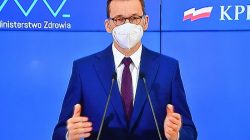 Premier Morawiecki ogłasza luzowanie obostrzeń; otwarte kina, hotele